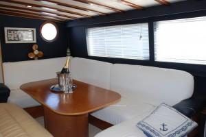 Santa Giulia - Croisière en voilier en Corse - Carré 2